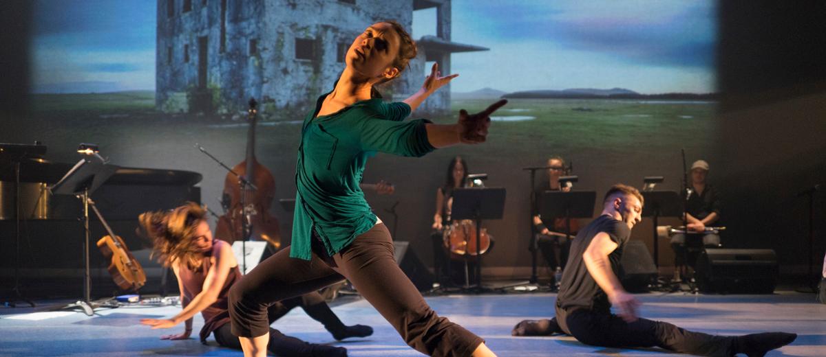 PPS Danse - Corps Amour Anarchie | Léo Ferré - Roxane Duchesne-Roy, Sarah Harton, Alexandre Carlos © Jean-François Leblanc